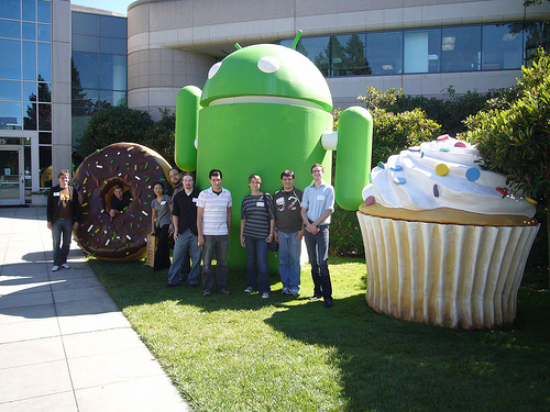 Google Group Shot - Android and Cupcakes